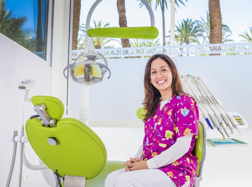Dra. Flor Revilla Martínez  Nº col.03003367